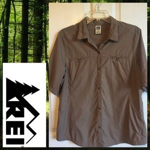 🍀 REI Brown Button Up Shirt Sz L Hiking